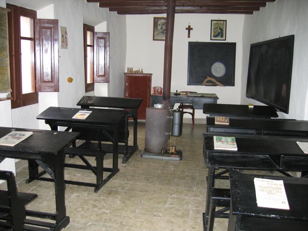 Escola de la república de Castellar de la Ribera